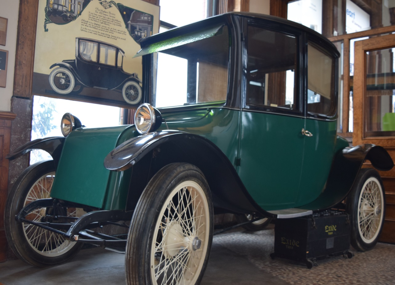 While We Think Of Electric Cars As A Modern Invention They Were The Preferred For Women On Go In Early 1900s Unlike Gasoline Ed Autos
